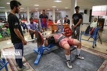 برتری ورزشکاران آستارا در مسابقات سراسری وزنهبرداری قدرتی