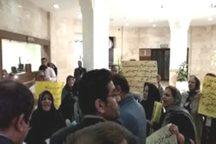 برخی ازمعلمان شیراز: شهرداری مجوزساخت زمین هایمان راصادر کند