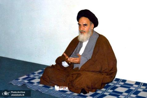 امام خمینی: ادعیه نقش نورافکن را برای انسان دارند/ به دعاها عنایت کنید