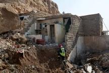 ضرورت جابجایی محل سکونت اهالی منطقه نفتک  مردم نمیتوانند داخل کانکس و چادر زندگی کنند
