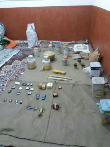 کشف محموله مواد انفجاری و انتحاری در منطقه مرزی سراوان+ تصاویر
