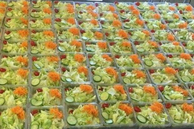 فروش سالاد و سبزی در رستوران های آذربایجان غربی ممنوع شد