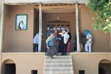 گردشگران آلمانی از بیت تاریخی امام راحل در خمین بازدید کردند