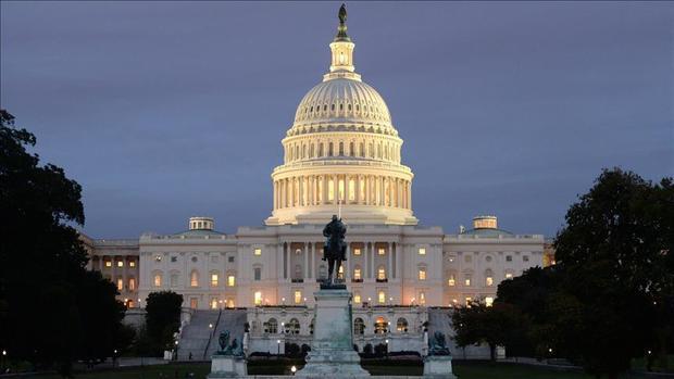 خیز نخستین زن مسلمان برای ورود به کنگره آمریکا+عکس