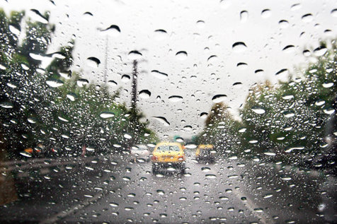 بارش باران و تگرگ در راه تهران