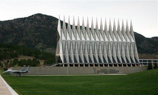 تیراندازی در دانشکده نیروی هوایی آمریکا در کلرادو