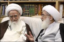 نمایندگان آیات عظام صافی گلپایگانی و نوری همدانی در منزل روحانی همدانی
