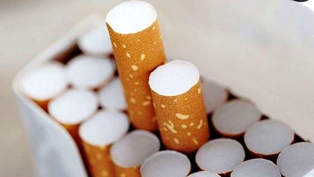 قاچاقچیان خودرهایشان را با نیم میلیون نخ سیگار رها کردند