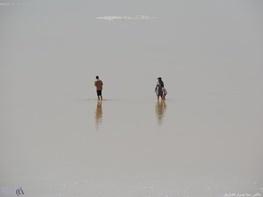 تصاویر | دریاچه ارومیه میزبان آبتنی و شنای گردشگران در گرمای تابستان