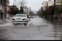 پیشروی بطئی سیلاب به داخل شهر گنبد