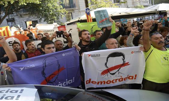 حمله به ساختمان های دولت محلی کاتالونیا+ تصاویر