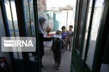 ۲۶۸۱۳ شکوفه از یزد برای نخستین بار در مدرسه حضور یافتند