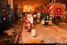 مهار آتشسوزی شرکت ایرانچسب با 10 مصدوم و فوتی استقرار 4 اکیپ در محل برای جلوگیری از حریق مجدد
