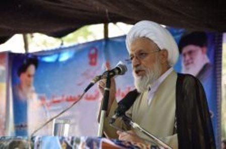 امام جمعه شیراز: کارشناسان راه حل عملی برای حل مشکلات جامعه بیان کنند