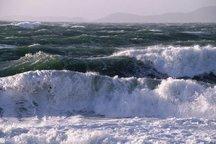 دریای عمان و شرق تنگه هرمز مواج است