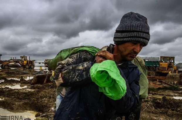 کمک کارکنان وزارت اقتصاد به سیل زدگان