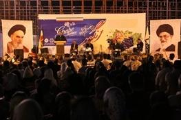 همزمان با برگزاری جشنواره انگور: حضور ۸۰۰۰ میهمان از سایر نقاط کشور در ارومیه