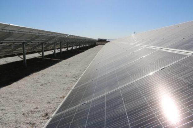 نیروگاه خورشیدی 100کیلوواتی در رفسجان به بهره برداری رسید
