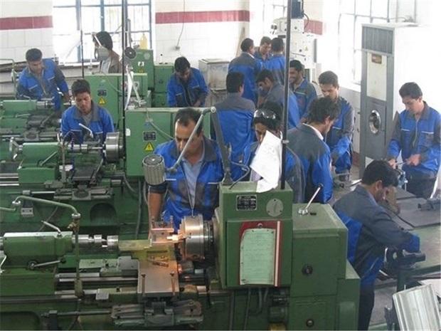 673 نفر در بروجرد مشمول دریافت بیمه بیکاری هستند