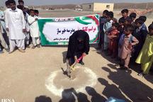 کلنگ ساخت مدرسه سه کلاسه خیرساز در نیکشهر به زمین زده شد