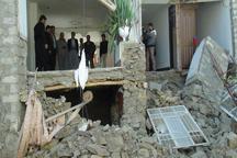 توزیع مواد غذایی و وسایل مورد نیاز میان آسیب دیدگان زلزله در سروآباد
