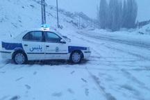 جاده های تکاب در جنوب آذربایجان غربی برفی و کولاکی است