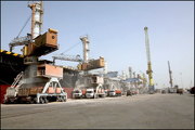 رشد چشمگیر تخلیه کالاهای اساسی در بندر امام خمینی(ره)