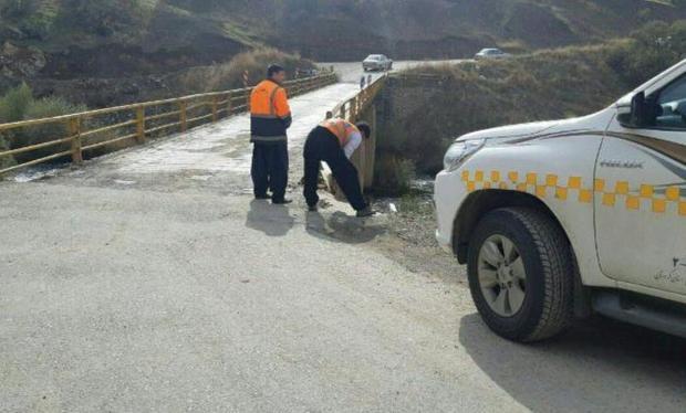 پل روستای رزاب سروآباد ایمن سازی شد