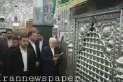 ظریف با حضور در زینبیه دمشق بارگاه حضرت زینب سلام الله علیها را زیارت کرد