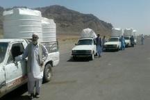 اهدای 17 تانکر ذخیره آب خیران به مردم روستایی خاش