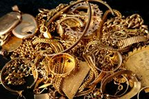 سارقان با انتقال صاحب مغازه به بیابان سه کیلو طلا سرقت کردند