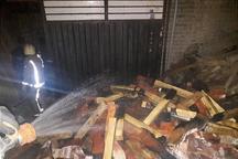 کارگاه مبل سازی شرق تهران در آتش سوخت