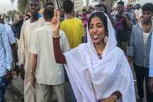 سودان با دخالت عربستان و امارات به سمت هرج و مرج و تجزیه می رود