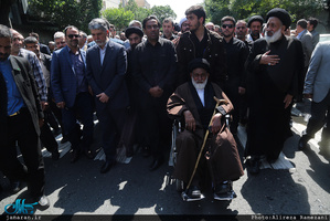 تشییع پیکر حجتالاسلام و المسلمین سید مهدی طباطبایی(ره)-2