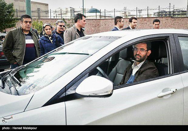 عکس خودروی شخصی وزیر ارتباطات و توضیحاتش در این خصوص
