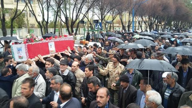 پیکر مطهر شهید نیروی انتظامی در گلپایگان تشییع شد