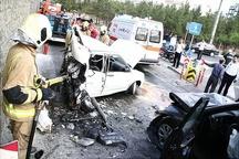 تصادف در بلوار مرزداران / سوزوکی پراید را نصف کرد+ عکس