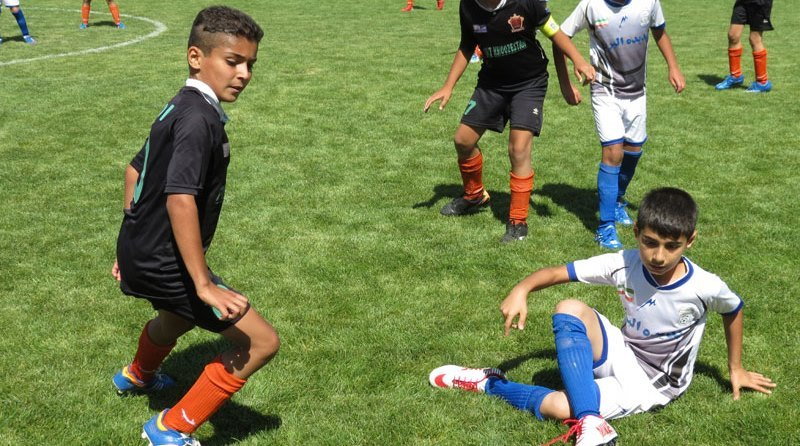 ثبت نام در مدارس فوتبال دارای مجوز یزد انجام شود