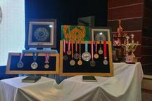 مدالهای 2 قهرمان ورزشی به موزه حرم مطهر رضوی اهدا شد