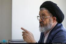 اکرمی: انقلاب زمانی با تهدید رو به رو میشود که با مردم صادق نباشیم