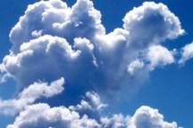 آسمان قزوین نیمه ابری و با وزش باد همراه است