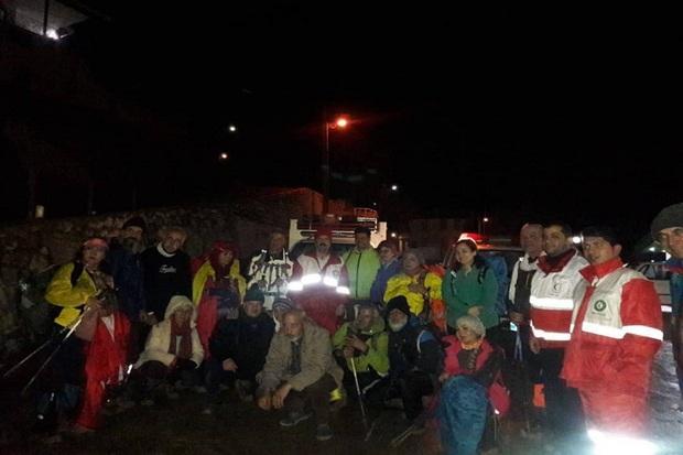 کوهنوردان گرفتار در ارتفاعات زیاران قزوین نجات یافتند
