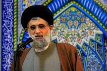 خطیب جمعه انزلی: پیشرفت های ایران اسلامی به دست جوانان حاصل شده است