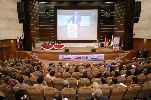 رئیس دانشگاه شیراز:تداوم ارتباطات بینالمللی را پی می گیریم