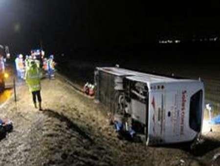 واژگونی اتوبوس در همدان هفت مجروح برجا گذاشت