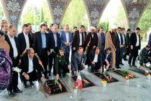 مدیران استان ایلام به مقام شامخ شهدا ادای احترام کردند