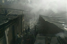آتش سوزی گسترده انبار کالا در جنوب تهران مهار شد