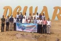 قایقران پیشکسوت بوشهری مسافت 33 مایلی بوشهر تا دلوار را پارو زد
