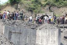 ابراز همدردری سید حسن خمینی با بازماندگان حادثه انفجار معدن آزادشهر