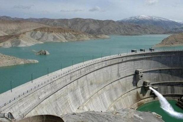 ذخیره آب سد زاینده رود افزایش یافت